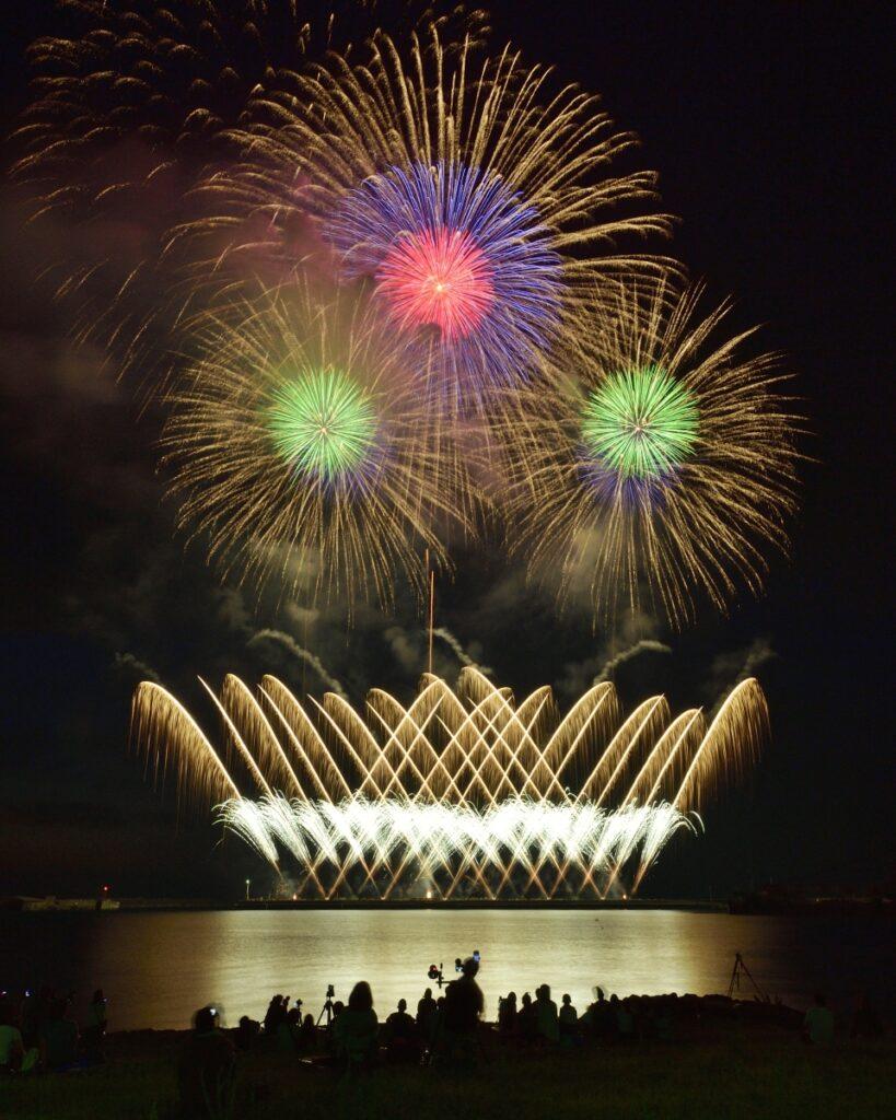 【鼠ヶ関 コロナ退散・海の安全祈願花火 2021】 ~港町に轟く大輪の華~