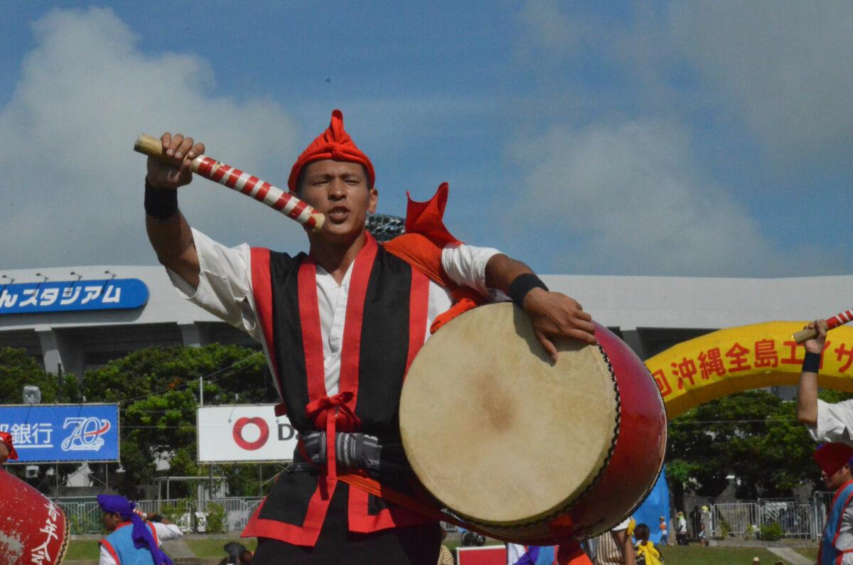 沖縄全島エイサーまつりはチムドンドン!祭りの前は100円沖縄そばで!