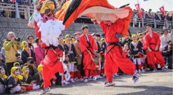 「賀露(かろ)神社ホーエンヤ祭」 港町を疾走する麒麟獅子、豪華絢爛な行列と船渡御