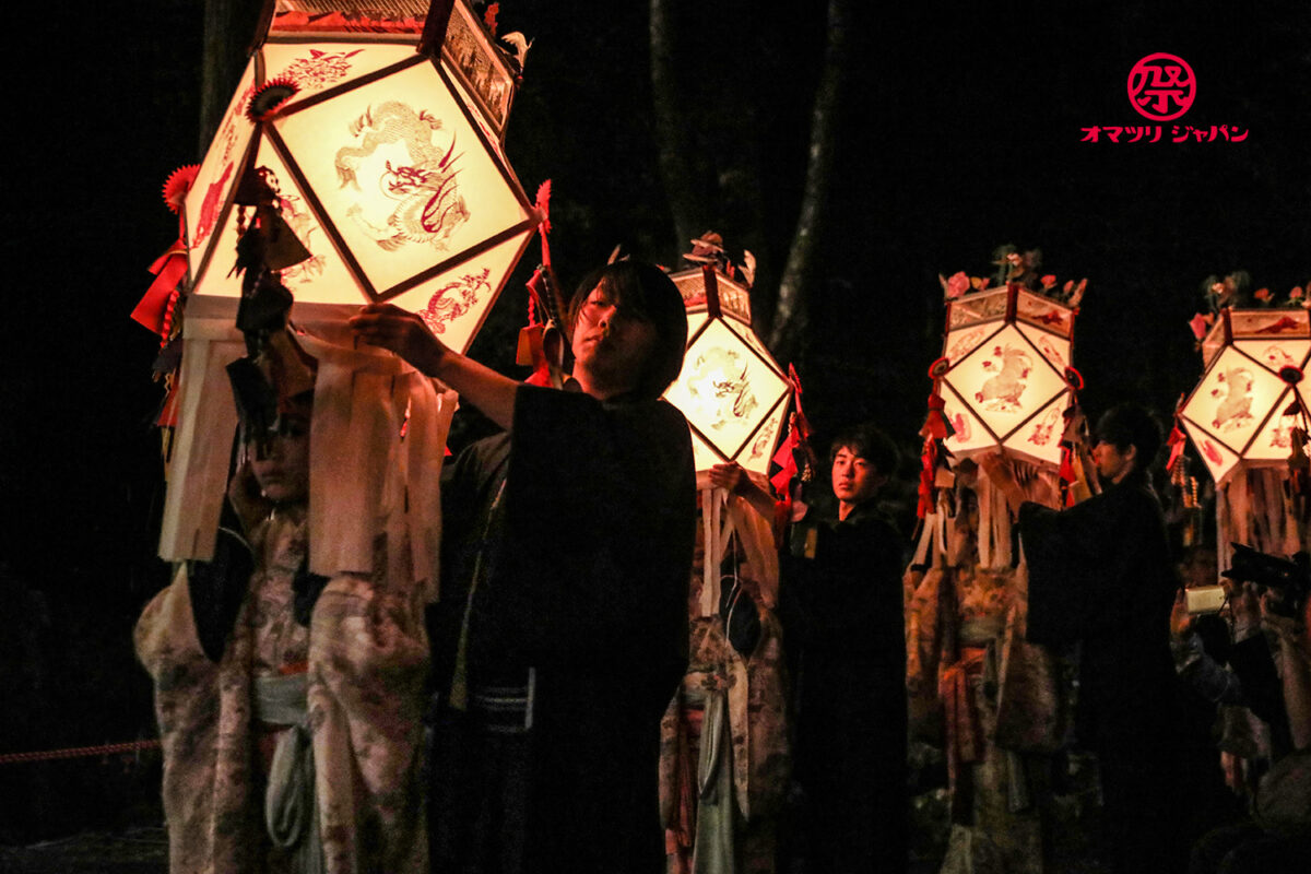 「八瀬赦免地踊」洛北の奇祭 燈籠踊と八瀬童子