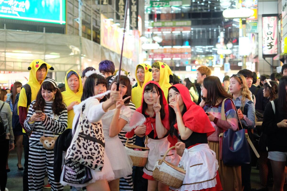 昔の日本人もコスプレしてもっとはしゃいでた!?ハロウィンとお祭り文化の意外な共通点