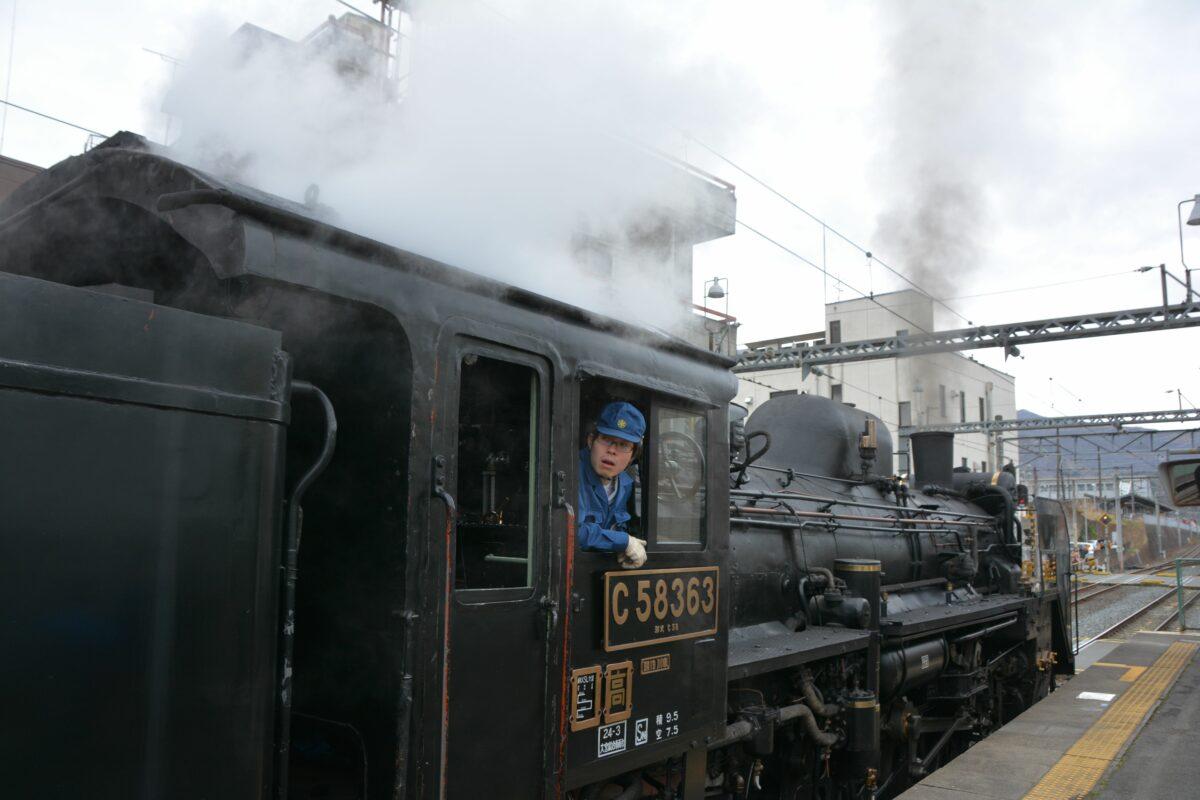 「鉄道の日」はSLに注目!お祭りも満載の長瀞・秩父路を走り抜けるパレオエクスプレス